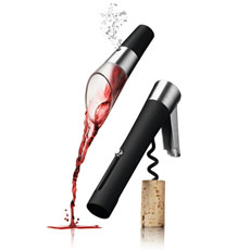 A must-have gift set for wine connoisseurs with a wine aerator and stopper to ensure maximum pleasure from your wine.