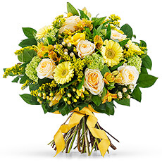 Share the joy of Spring with our beautiful new bouquet in cheerful shades of yellow.