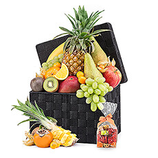 This luxurious, exotic fruit basket offers 3.5 to 4 kg of fresh fruit and is combined with a bag of Neuhaus chocolate pralines as a small guilty pleasure.