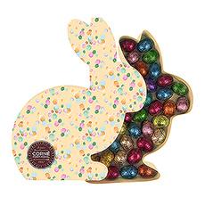 Faites un bond délicieux avec cette boîte en forme de lapin remplie de délicieux petit oeufs de Pâques de chez Corné-Port Royal.