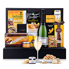 Turn any morning into a celebration with our elegant brunch gift set with sparkling cava by Franscec Ricart. Send a gourmet brunch gift hamper to celebrate the holidays, birthdays, weddings, an anniversary, or a retirement.