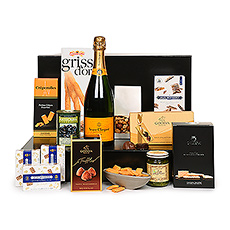 The ultimate in style and taste, this Veuve Clicquot and gourmet food gift is perfect for your most important clients, weddings, birthdays, and as an unforgettable Christmas gift for Europe.