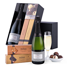 A sophisticated cava gift box with the famous Neuhaus manons and crisp Neuhaus almond biscuits to send at any time of the year.