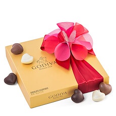 Spoil your loved ones with this Godiva Romantic gift set.