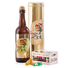 Surprise your friends with the ultimate gift idea for Belgian beer and chocolate aficionados: Brugse Zot Blond presented with delicious beer-filled chocolates!