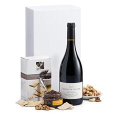 Le couple parfait de vin et snacks vous attendent dans ce cadeau élégant de vin rouge.
