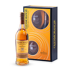 Presenting Glenmorangie's famous 10 year-old Original single malt Scotch whisky in an elegant and robust gift box that includes two logo tumblers to help you enjoy the perfect drink. Perfect for enjoying at any time.