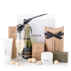 The ultimate indulgence! This exquisite gift box is filled with a luscious assortment of luxury Oolaboo soap & lotions paired with bubbly Cava and rich Belgian chocolates.