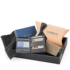 Here is the perfect gift for that hard-to-shop-for guy: the coveted Garzini Magic Wallet paired with relaxing Oolaboo wellness gifts in a handsome black tray. It's just the thing for Father's Day, mens' birthdays, anniversaries, and holidays.