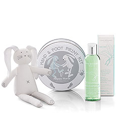 Cinq Mondes Shower & Bath Oil with Petit Bateau Cuddle And Hand & Foot Print
