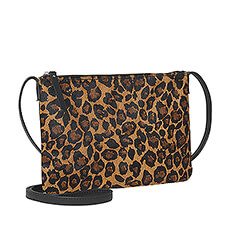This leather shoulder bag with leopard print with pony hair is the ultimate accessory for fashionistas.