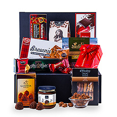 Chocolate: the ultimate guilty pleasure! Treat business relations, customers or the whole family without hesitation with this ultimate chocolate gift. This gift offers more than enough to share with the whole family or with colleagues.