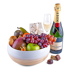 Treat someone to this stylish new fruit, Champagne, and chocolate gift for the holidays.