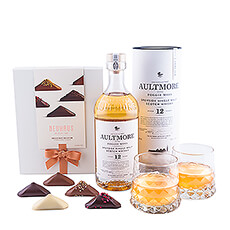 Whiskey and chocolate: a match made in heaven! Enjoy the powerful character of Aultmore Scotch Whiskey 12 Years Old and the luxurious, hand-filled Neuhaus Irrésistibles. A wonderful gift for bon vivants.