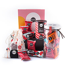 This playful gift box offers an abundance of delicious Barú chocolate marshmallows.