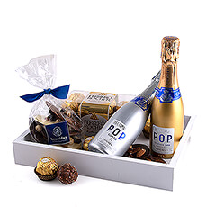 This stylish, modern gift tray offers a delicious assortment thats perfect for couples.