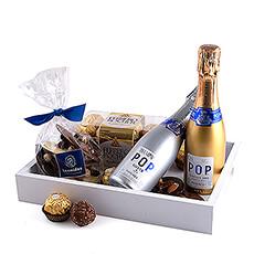 Ce plateau cadeau élégant et moderne propose un assortiment délicieux parfait pour couples.