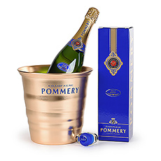Get ready to celebrate any special occassion with this beautiful champagne gift.