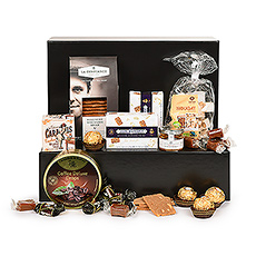 Sweet tooths reunite! This delicious hamper only offers you the best of the best.