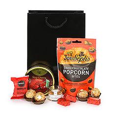 Pour les dents sucrées qui aiment un peu de tout. Offrez-vous le meilleur chocolat de Ferrero Rocher et Leonidas.