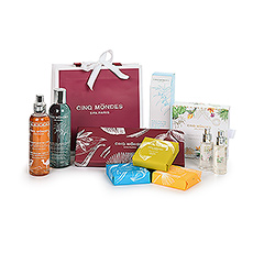 Spoil yourself or your loved ones with this bag filled with premium Cinq Mondes beauty products.
