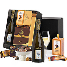 This deluxe hamper offers the best of both worlds.