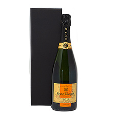 L'assemblage du Vintage Réserve 2008 se compose de Pinot Noir, de Pinot Meunier et de Chardonnay.  La Riche Réserve 2008 présente une belle teinte soutenue jaune dorée, avec de légers reflets verts. L'effervescence est vive et persistante...