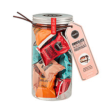 Gourmet marshmallows covered in milk or dark chocolate in four flavors : milk, dark, sea salt caramel and raspberry. All individually wrapped for freshness and packed in a gift jar!