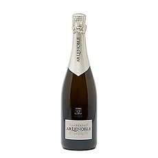 This fruity, well-structured Champagne is ideal for all those pleasurable moments with your family or friends.