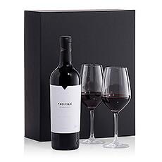 Un vin excellent Merryvale Profile,se caractérise par sa puissance et son ampleur en bouche.Il est livré avec deux verres élancés (Schott Zwiesel).