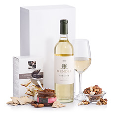 Gourmet wine gift including the elegant and intense Mendel Sémillon 2014, Elsa's Story crisp baked crackers, Domaine du Bois Gentil Tapenade Verte and a mixed nuts.