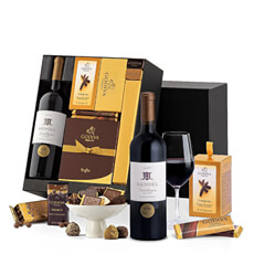 This elegant red wine gift box features a bottle of Mendel Finca Remota wine from Argentina along with a mouthwatering collection of fine Belgian chocolates.