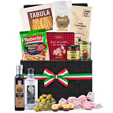 The best flavors and aromas of Italian cooking come to life in our sumptuous Italian gift hamper. Treat friends, family, and colleagues to this wonderful assortment of pastas, sauces, olive oil, chocolates, snacks, and more.