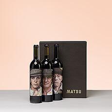 Ce cadeau trio de vins espagnols fera certainement forte impression : dabord quand les portraits uniques sur bouteilles auront été aperçus, et ensuite lors de la dégustation du séduisant vin rouge.