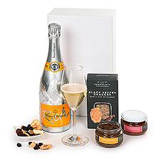 Veuve Clicquot Rich Champagne & Snacks