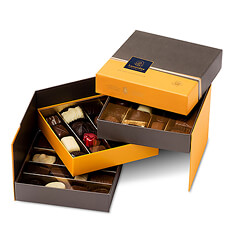 The stylish Leonidas Prestige gift box is a beautiful gift that suits every occasion.
