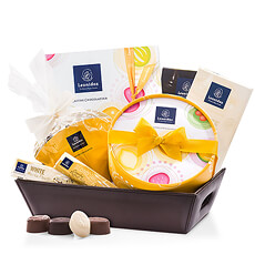 Celebrate the joys of summer with this sweet new Leonidas Summer Hamper filled with scrumptious Belgian chocolate. It's the perfect gift idea for summer birthdays, graduation, Father's Day, or summer weddings.