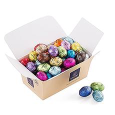 Le lapin de Pâques nous a encore surpris avec un somptueux ballotin rempli d'oeufs de Pâques en chocolat !
