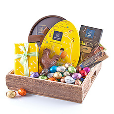Leonidas has created this wonderful gift especially for this joyful occasion with chocolate Easter eggs, pralines, a chocolate figure, chocolate bars, and a tablet.