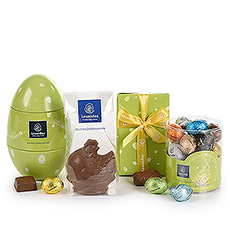 Surprise friends and family with this beautiful chocolate gift full of Easter eggs, pralines, chocolate bars, and tablets.