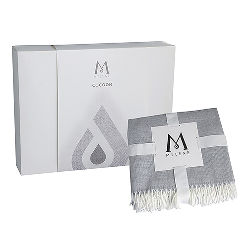Mylène Cocoon Gift Box with Light Grey Plaid