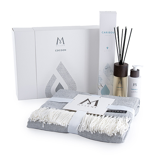 Mylène Cocoon Gift Box Plaid & Caribou Gift Box Scented Sticks and Hand Soap