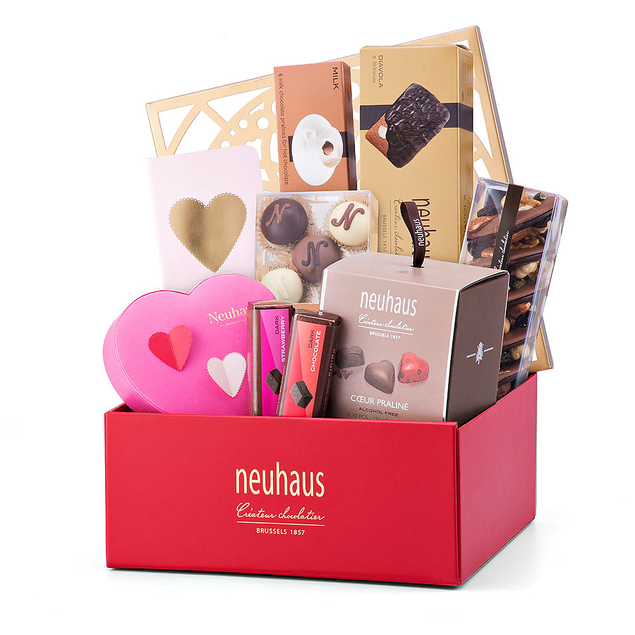 neuhaus deluxe valentine gift box cadofrance. Black Bedroom Furniture Sets. Home Design Ideas